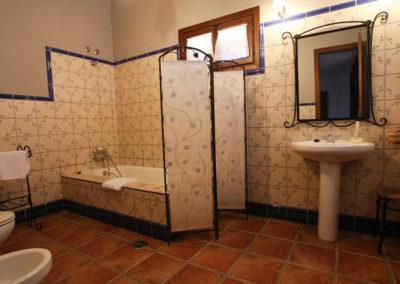 Baño Habitación doble 2 planta baja Casa Rural La Cabra
