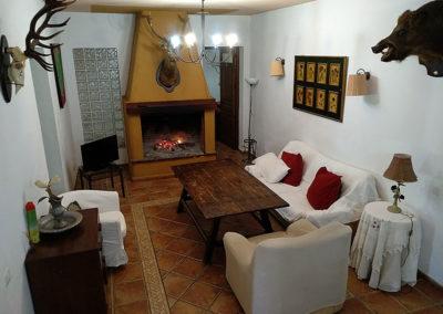 Salón Casa Rural La Cabra
